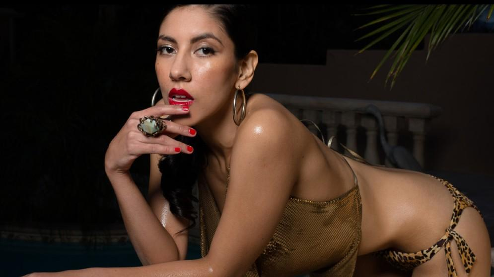 inflation-stephanie-beatriz-naked-pictures