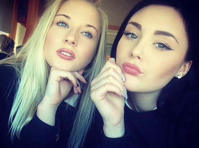Tänkte jämföra en tjej som jag hitta på Instagram o hennes vän, båda 13, med en bild på mig och mina 13 åriga vänner