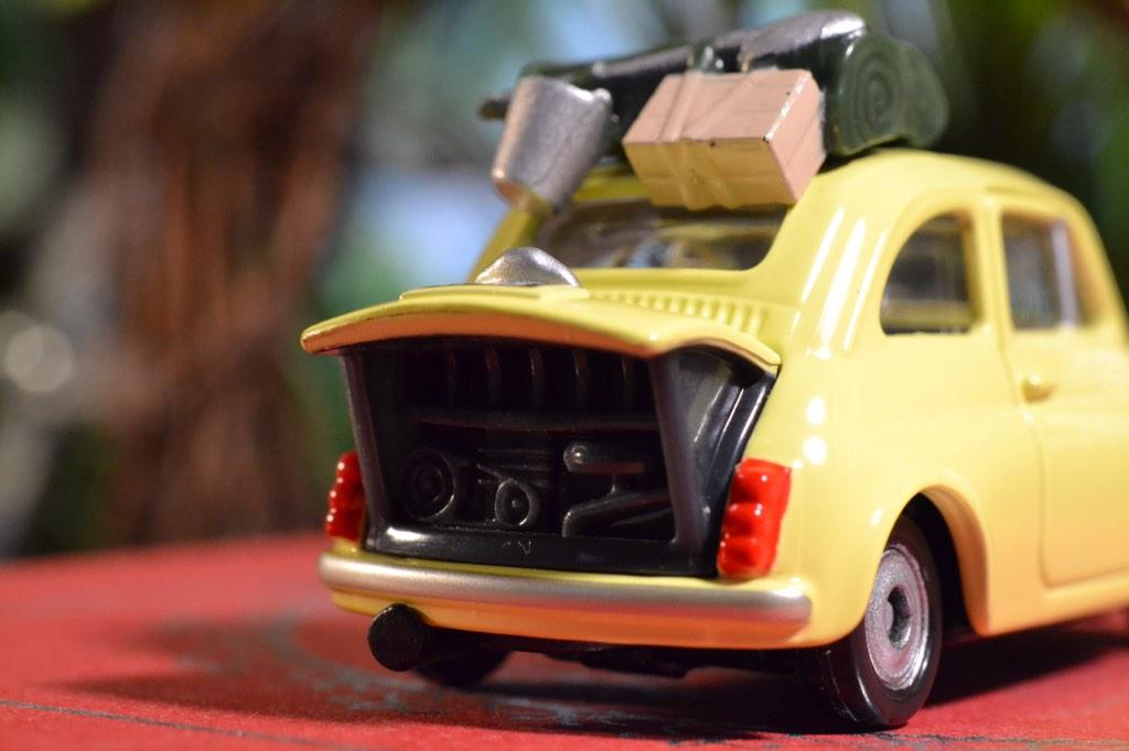 【ブログ更新しました】トミカから あのルパン三世『カリオストロの城』FIAT500 が出てたのでつい買ってしまった。 http://t.co/aWAinfqyhG http://t.co/eGSSarKrRr