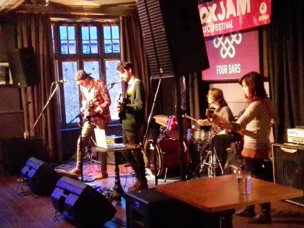 And then the much more chilled out sounds of @scriberofficial at @fourbarscardiff @oxjam_cardiff #oxjamcardiff http://t.co/otvi9mMTV4