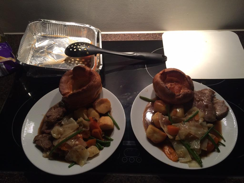 Thanks Nicky at @RestaurantCatch for my Sunday lunch take away!!! #👌 http://t.co/gVTEIqAH5S