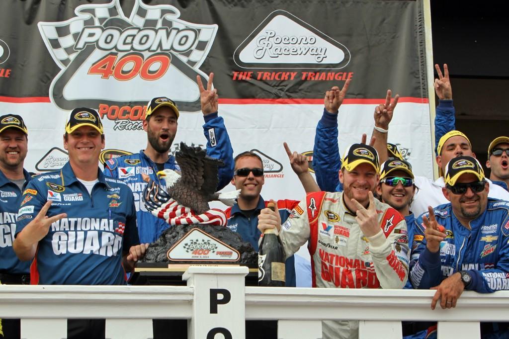 Lap 88, let's celebrate!   RETWEET to bid @SteveLetarte farewell & wish him luck @NASCARonNBC! #NASCAR #JRNation http://t.co/bMAcbJaq3B