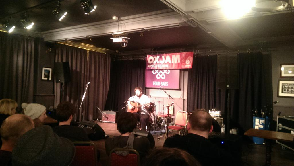 .@ghbonello was great at #oxjamcardiff. Fantastic performance and fascinating to hear the stories behind the songs http://t.co/CjIBXYHbly