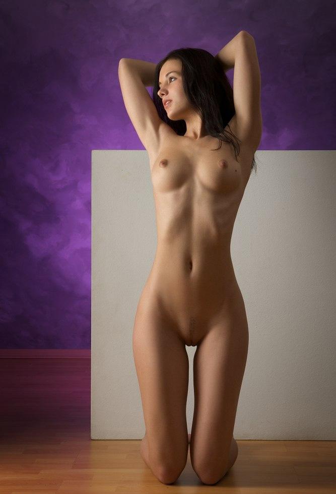 Фотографии юное голое тело