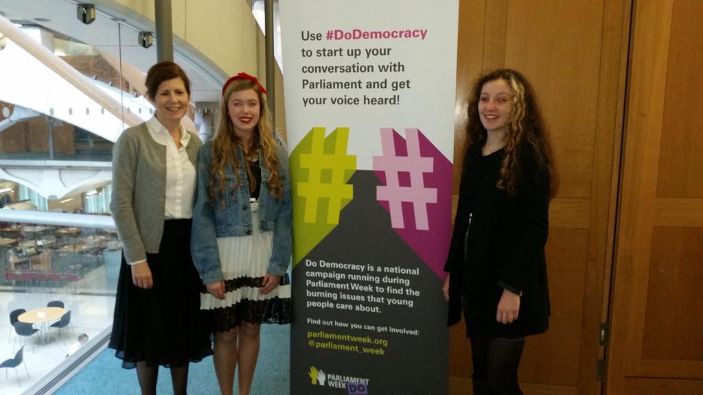 #DoDemocracy Queen Elizabeth's Rana & Beth meet @JennyChapman before presenting Digital Demos to #PSAPW http://t.co/dBC0rEufvs