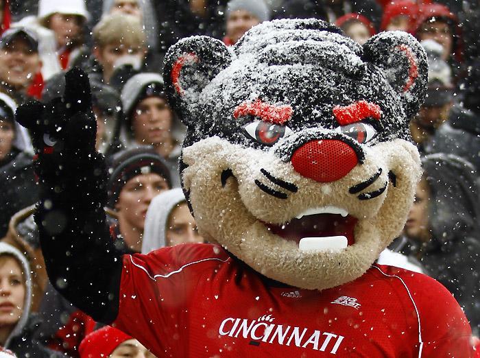 Here it is…the Bearcats starter PACk http://t.co/HKJnlhWKOf