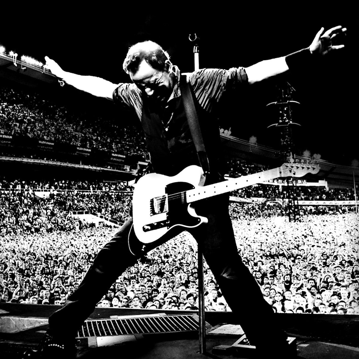 Growing up in PHL, never thought I'd be able to say this: Today we're live with @springsteen http://t.co/ycRFcvP53T http://t.co/Kchh6l3Z8r