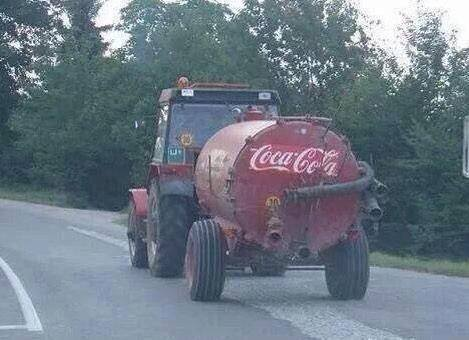 Ah Jaysus, even Coca Cola have to economise on the Christmas truck this year.. http://t.co/ZiGUkHdryN