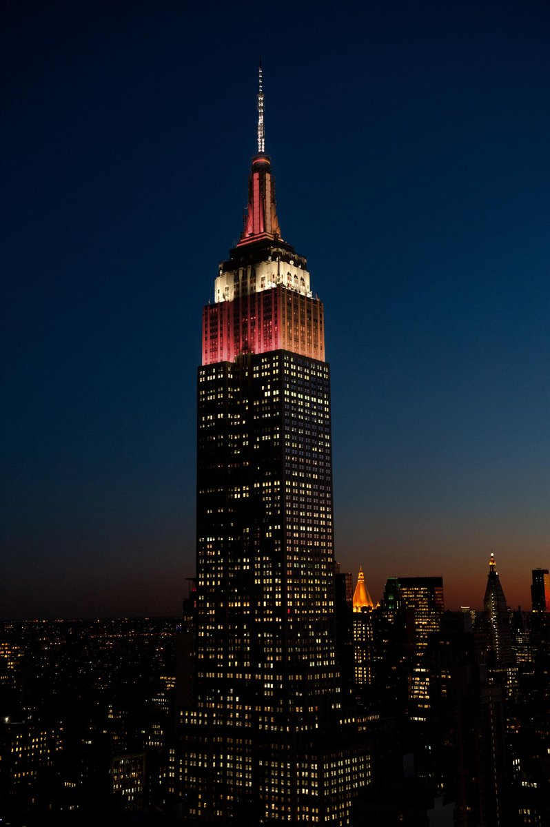 This Sat, the Empire State bldg. will be lit #Lehigh brown & @LafCol maroon for #Rivalry150! http://t.co/ZEZklFLP9R http://t.co/ievza4Bj1g
