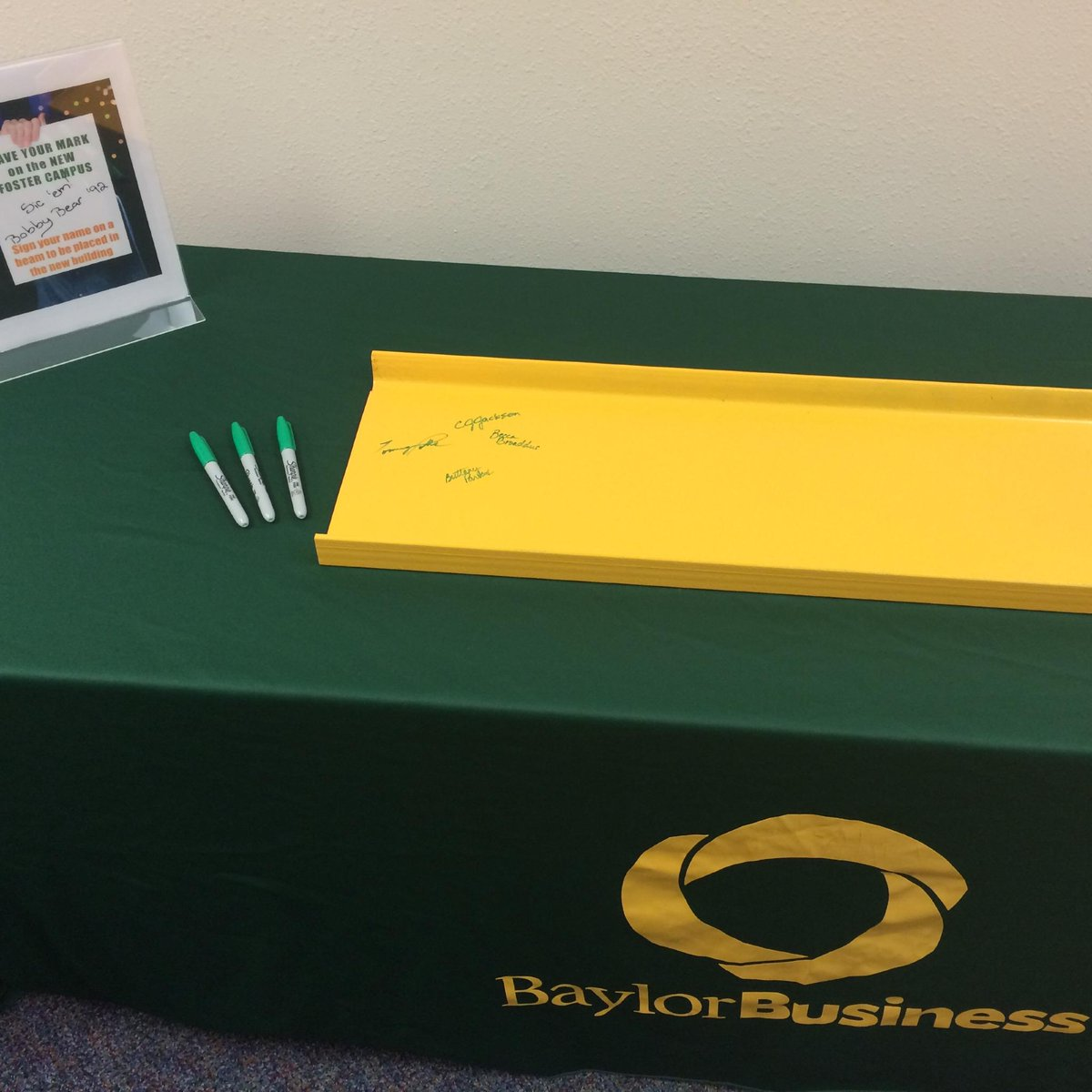 Want to leave your mark on #Baylor's new #FosterCampus? Stop by the b-school lobby Mon-Wed from 2-4 to sign a beam! http://t.co/c5LhNM36jD