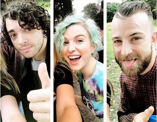 Vote for @paramore at MTV Stars 2014!!  1 RT = 1 Vote!  #MTVStars Paramore http://t.co/QN0964rdwf