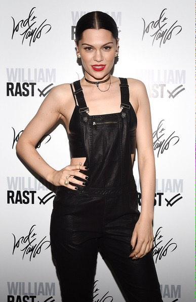#MTVStars Jessie J RT for 1 Vote http://t.co/ATvzQwOVPK