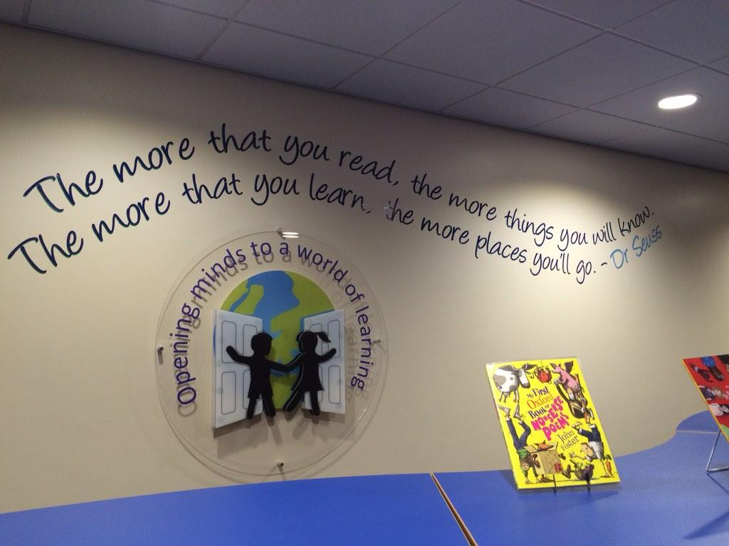 A lovely curvy library space @HopwoodPrimary with inspiring quotes too http://t.co/uU9bin8oIb