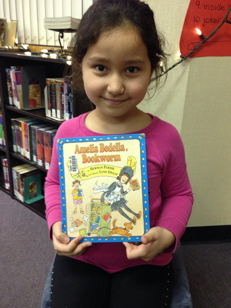 Amelia Bedelia Bookworm is all about books. NA #gvlearn http://t.co/Q6mPOBQWkL