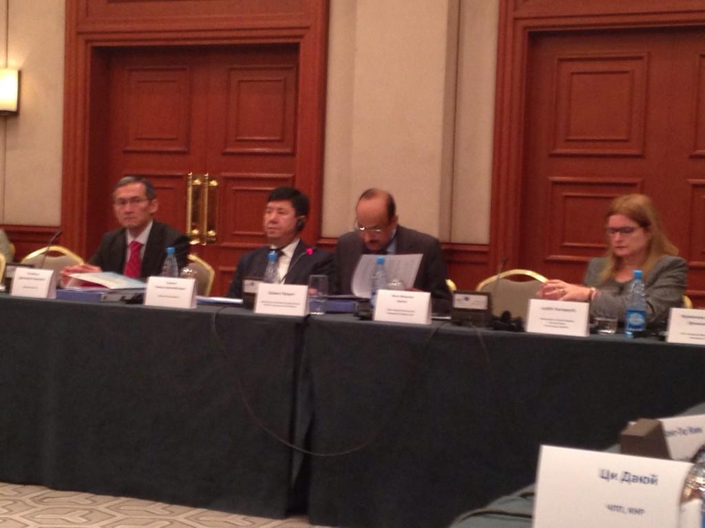 Постоянный представитель ООН @undpkg выступает на #opendatakg http://t.co/01cdEb6G04