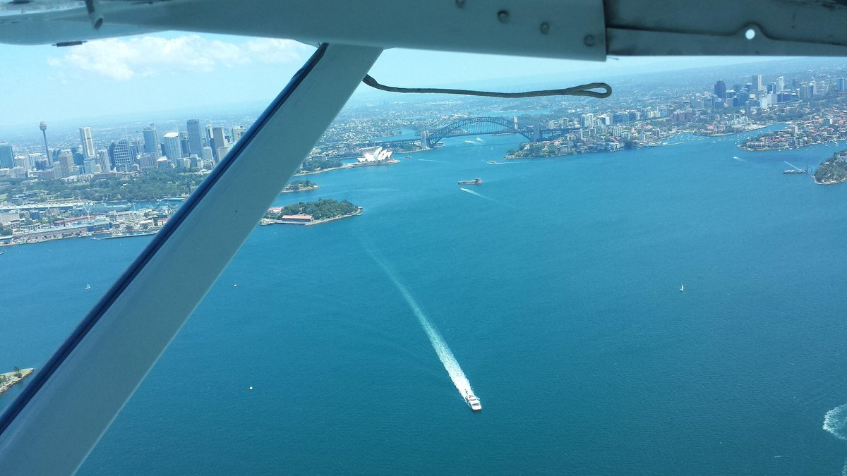 Sydney from a seaplane on a perfect day, en route to Jim Wild's Oysters, Greenwell Point. #ilovesydney #newsouthwales http://t.co/2QagOf9mkt