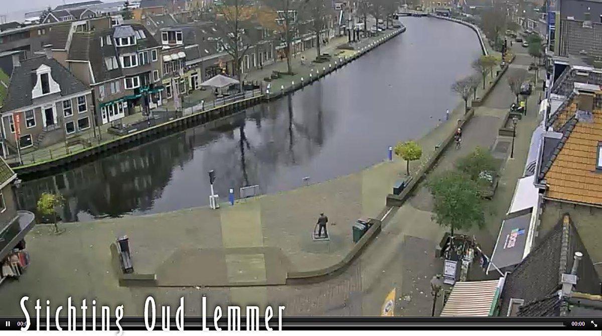 Nieuwe webcam in Lemmer: http://t.co/sbZU1Ezu7u. #webcam #Lemmer #IJsselmeer #haven #stichting #oudlemmer http://t.co/DyCW1IErGV