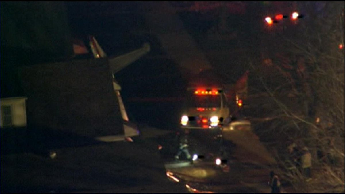 Scene of the small plane crash at 65th @ Knox near Midway Airport. http://t.co/sQVCQbSUvK