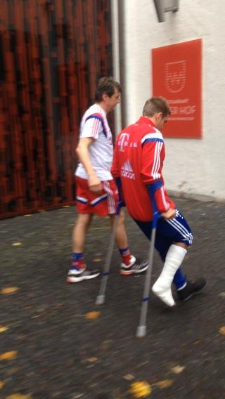 Serious injury at training is now in a cast amp on crutches pictures