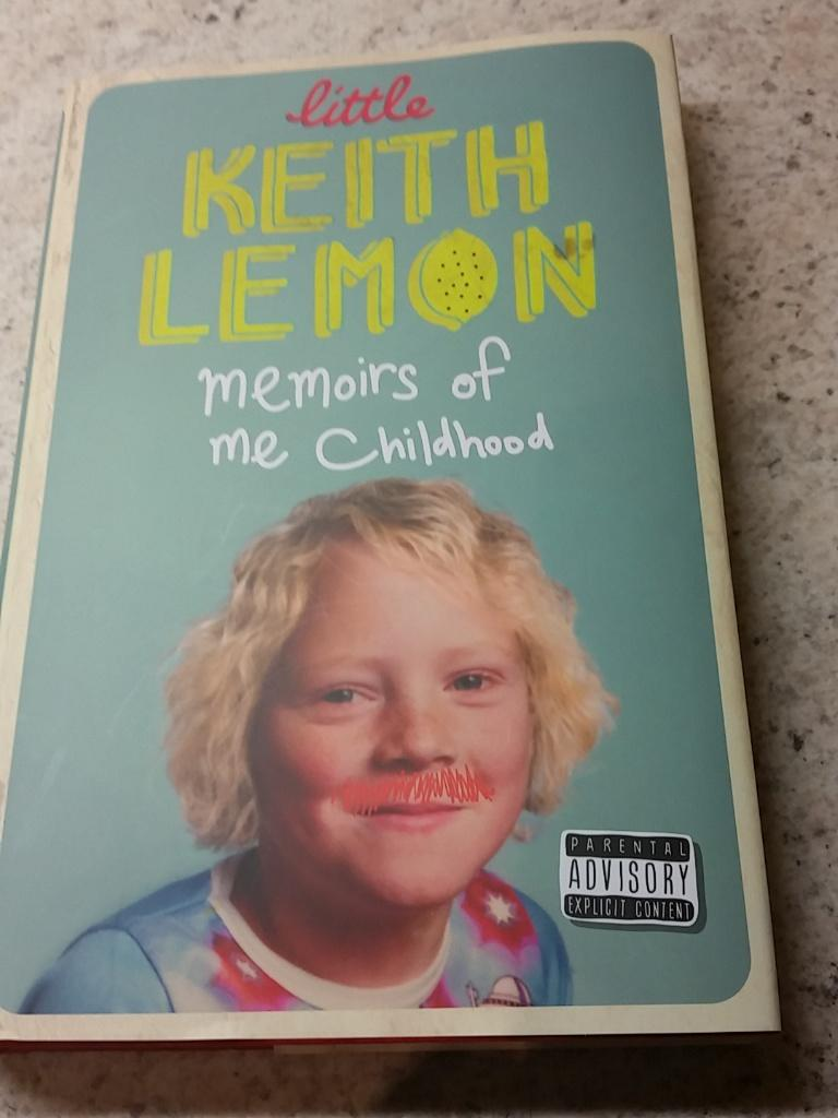 RT @suzanne1245: @lemontwittor gutted you never tweeted my book shots 😃😃😃 http://t.co/baepHsEJY0
