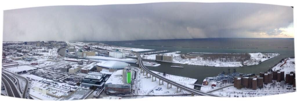 Panoramas of the snow coming into Buffalo by @mtbranden. 4 hours ago vs 40 mins ago #BuffaloSnow http://t.co/P6gg3y3wGq