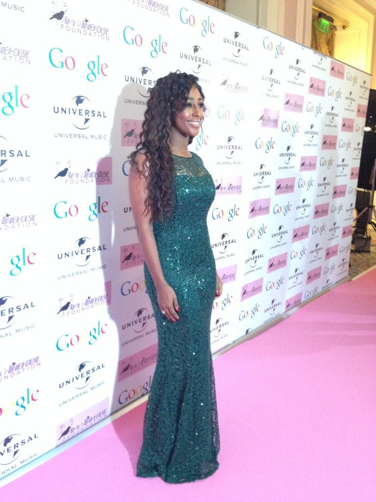 RT @outsideorg: It's our girl, @alexandramusic! #AWFGala2014 @AmysFoundation http://t.co/toauQd6vw7 http://t.co/k6tw8a3I1G