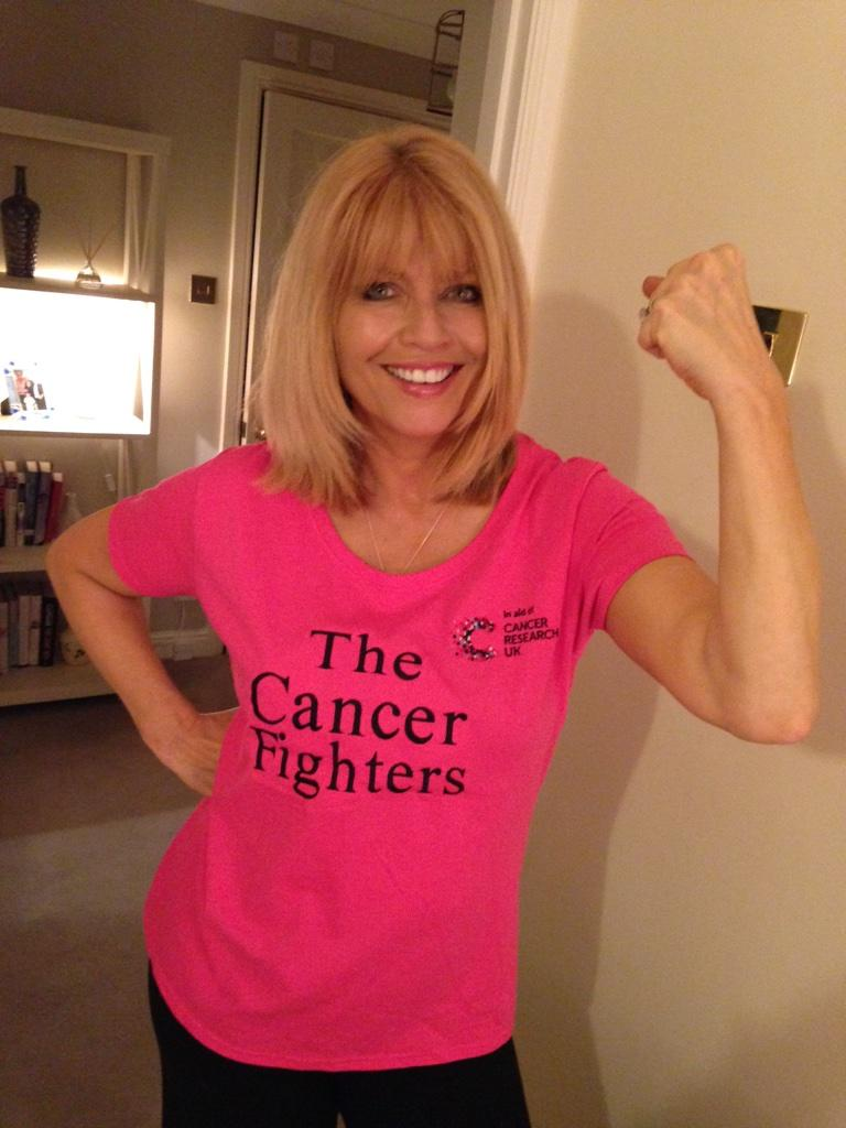 My #cancerfighter T-shirt pic for the @TCFGirls. Raising funds for @CR_UK. Go girls xx http://t.co/jNd894X0he