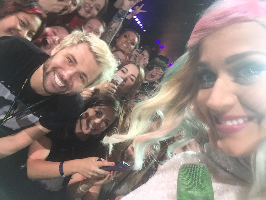 The selfies @katyperry took with me! @katyperrylately @kpdaily @KatyPerryDaily @katyperryforum @katyperryfans http://t.co/8KoQi55Gzh