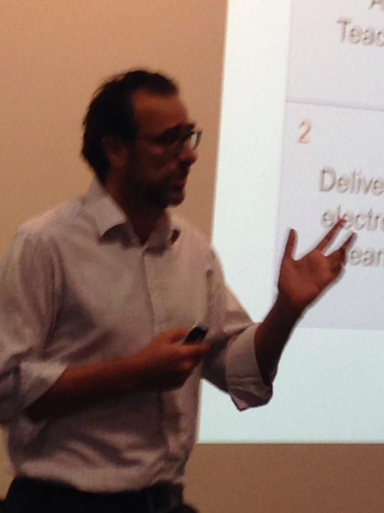 Gregor Kennedy is asking: How well are we using eLearning technologies for interactive learning? http://t.co/EoSKJKOweB