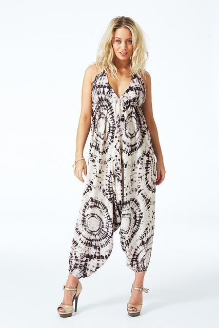 #WinWednesday again guys! Retweet & follow to get your hands on this beautiful @dancingleopard1 jumpsuit! #giveaway http://t.co/6c27fUVGpU