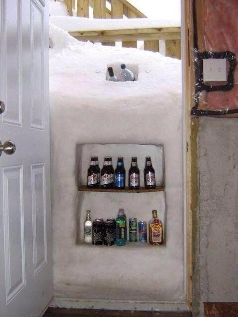 """This snow hack wins. """"@davidcommon: @metromorning Forget cold. What about the snow in Buffalo? Two meters!"""" http://t.co/AyykQIVJRF"""