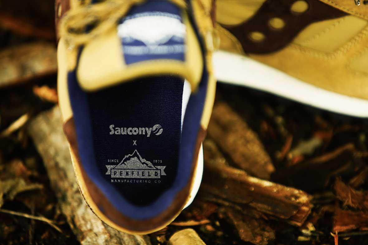 The #Saucony x #Penfield 60/40 Pack is coming soon... @SauconyOrigs #SauconyxPenfield http://t.co/JfNwszcYAM
