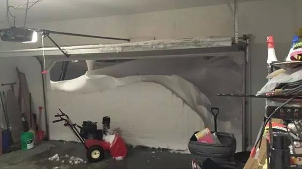 #BuffaloSnow ending in western NY this morning, then you open your garage door to find this: http://t.co/ex3QqOFyLl