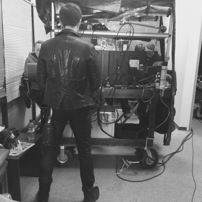 Day 101.38 : ever wonder where the hook goes between takes? #101Smiles http://t.co/T4QzaSxrNM