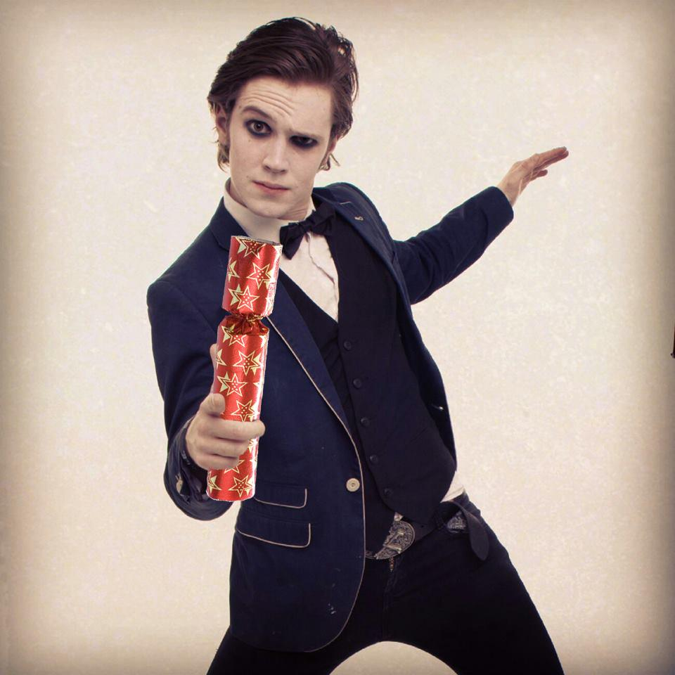 Day 2 increase your chances to win the raffle by retweeting this too. #FVKadventcalender http://t.co/wQDgrmCQAf