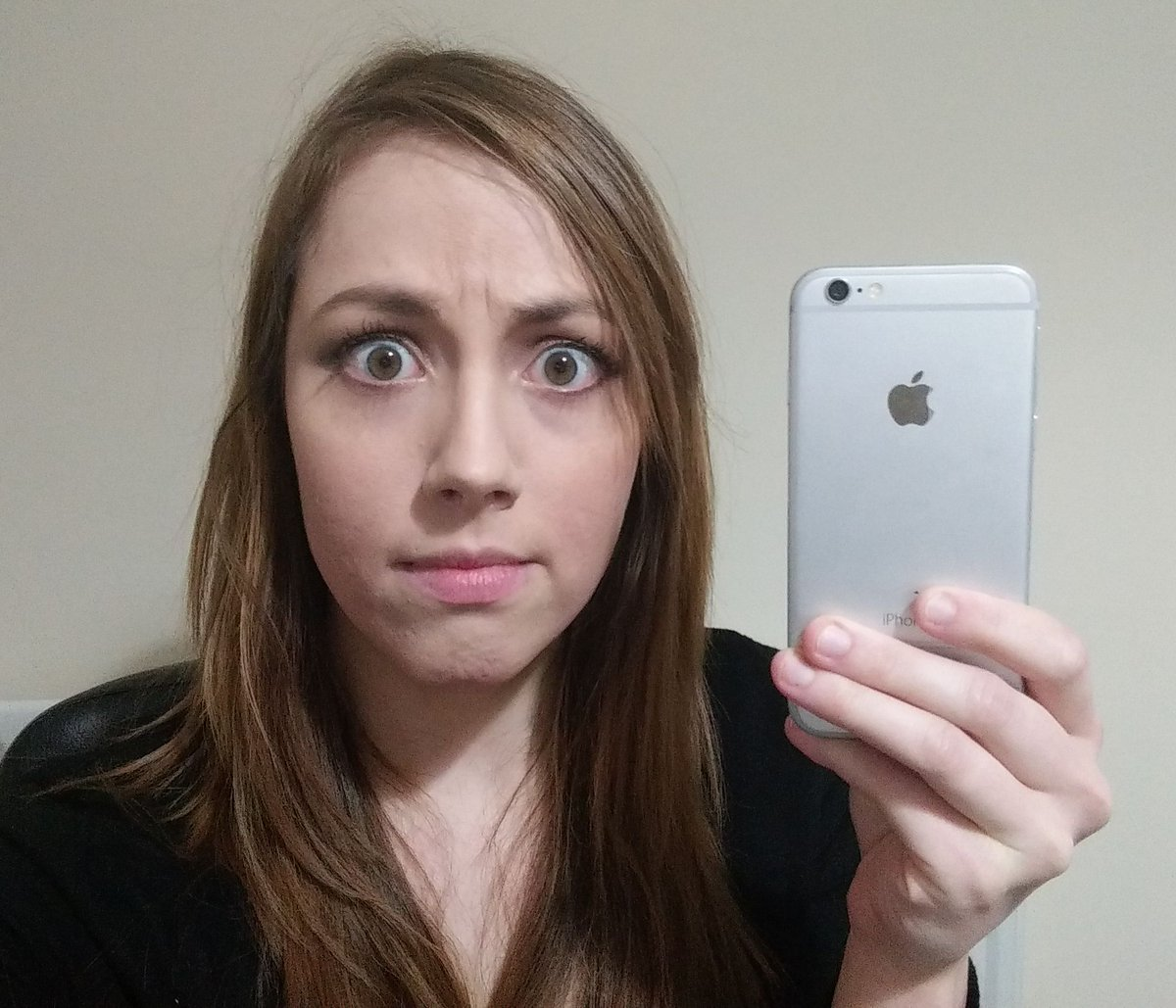 We made die-hard Android fan @hollybrocks use an iPhone 6 for a month. Here's how it went... http://t.co/iHR9vzu5sT http://t.co/JSkvEbD0i2