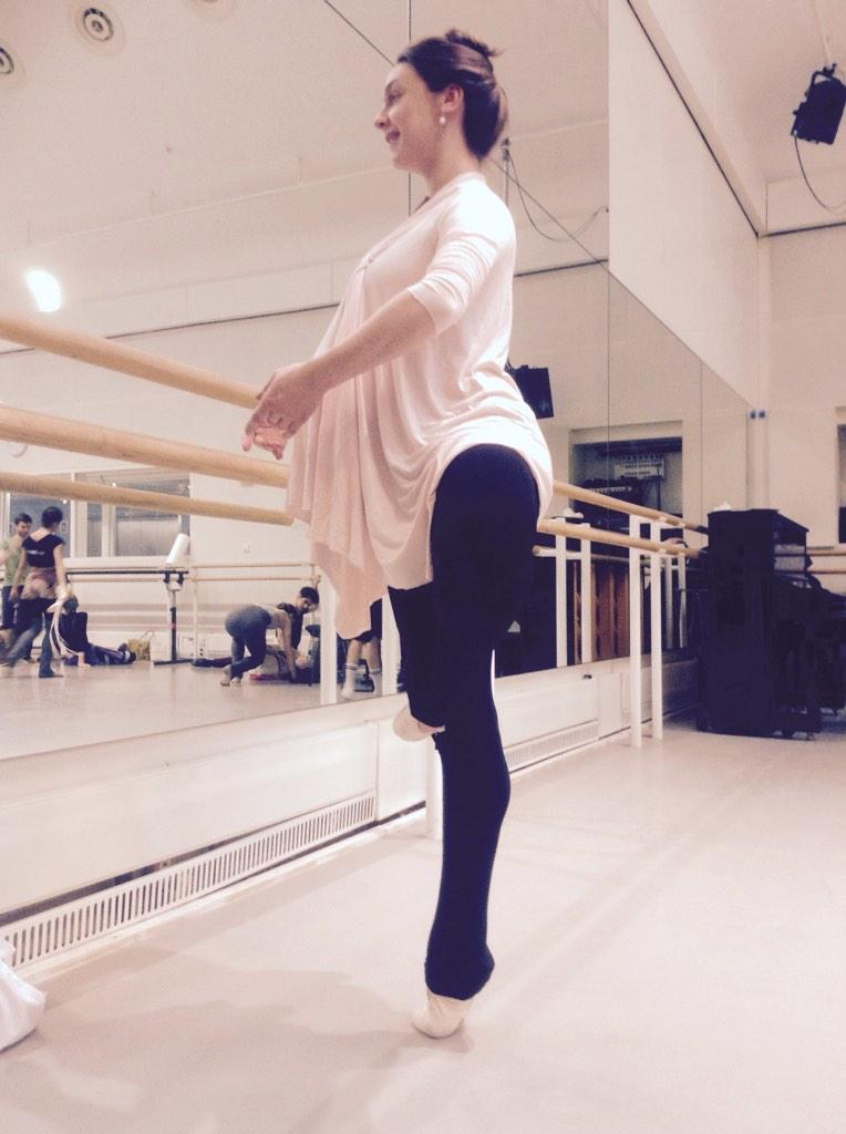 5 days till #BabyMcRae's Due Date & Mum-to-be is still in class  @TheRoyalBallet @mothercareuk So proud of my wife!pic.twitter.com/FYQXGyTc4c