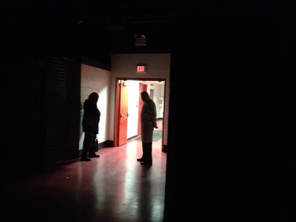 Another power outage this morning at Joe Louis Arena. Maybe they didn't pay their bill. http://t.co/voxvjc8tZJ