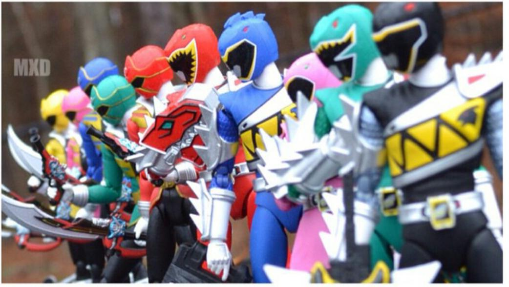 Who requested a Super Megaforce/Dino Charge Figuarts team up? Here it is! http://t.co/2ApwhlYUdw http://t.co/eG0XDbMImq