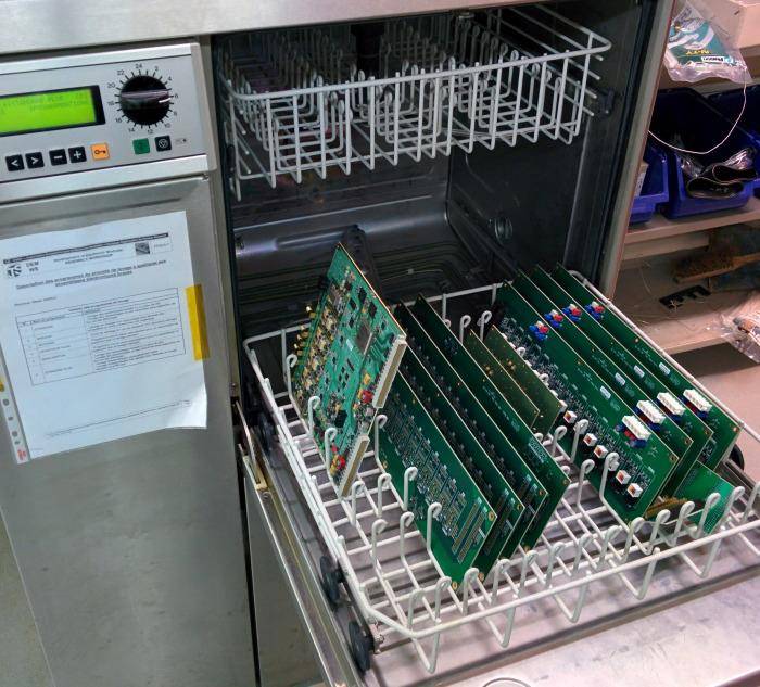 That's right, a @CERN dishwasher for circuit boards: http://t.co/EePpwhZkOV http://t.co/qfPABQag5y