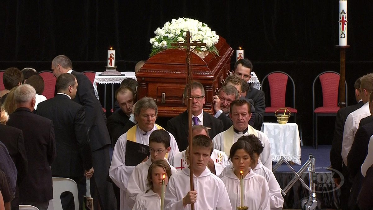 'Don't Let The Sun Go Down On Me' plays as the casket leaves. #PhillipHughes http://t.co/pYtT7r1yMY http://t.co/0sbkX0ryNl