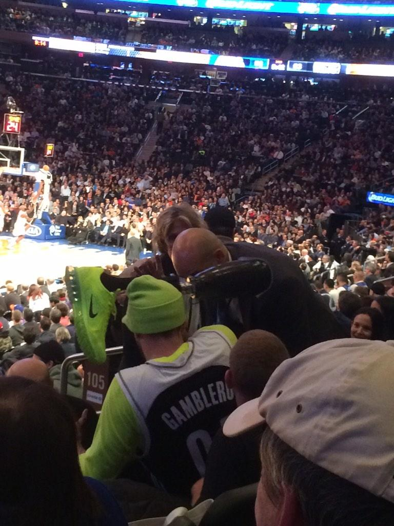 Unruly Nets fan brandishes prosthetic leg, carried out by Knicks security