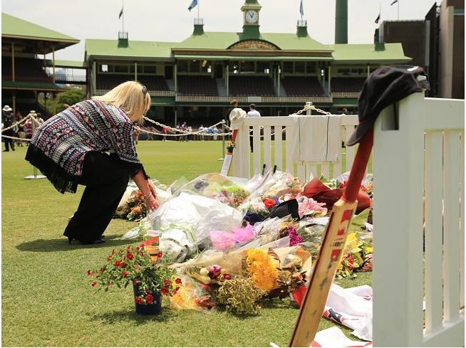 The @SCG has been turned into a shrine for #PhillipHughes funeral as fans flock to ground http://t.co/vRcZnW2XaE http://t.co/2MgJeO2IZh