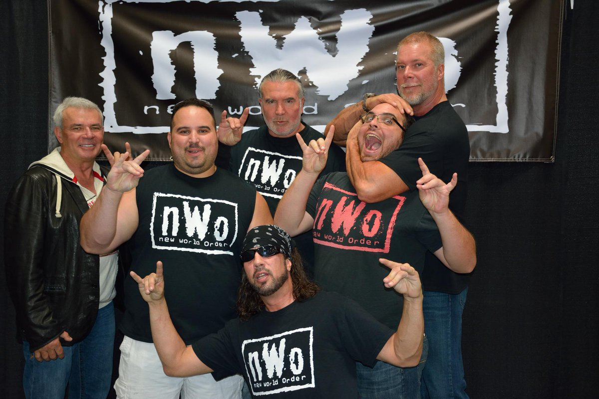 The time I got put in a sleeper by @RealKevinNash. Thanks to him @TheRealXPac @SCOTTHALLNWO & @EBischoff 4 comin out! http://t.co/8Z8KWEmlrr