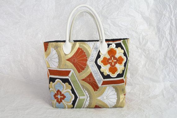 Chrysanthemum Wave Kimono Tango Tote Bag Women's by KimonoTango   Found at http://t.co/KQV8FDchfP #Etsy @KimonoTango http://t.co/zfwS9wDCc3