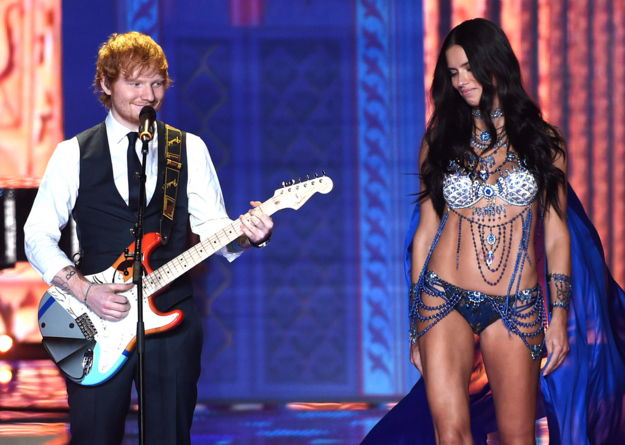 Ed Sheeran's face was the best thing at the Victoria's Secret show http://t.co/hC2R5yBGc9 http://t.co/7Tii9T2uaR