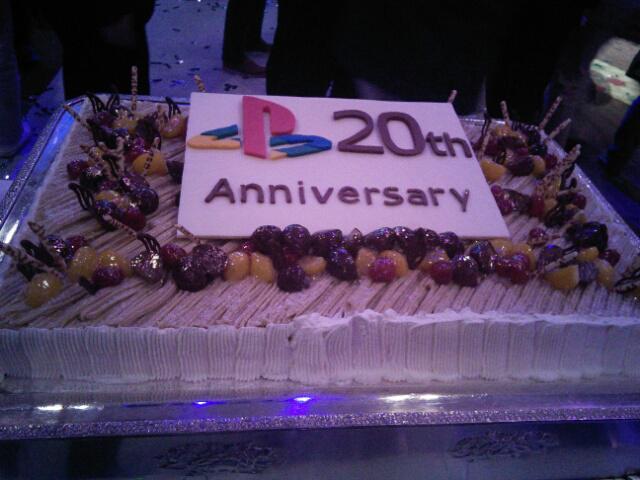 PlayStationAwardsだん。まさか20周年記念ユーザーズチョイス賞の投票数上位20位にヴァルキリープロファイルが入っているとは思いませんでした。久々に目頭が熱くなりましたよ...嬉しいです。 http://t.co/LOCZSWF7FG