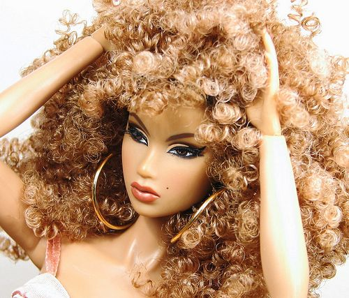 :-) @necolebitchie If she were a ★Barbie Doll★!! #PlasticPerfection http://t.co/mbETqlZtQi