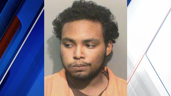 Police say a man assaulted his wife with a McChicken sandwich: http://t.co/7VsTDspzsB http://t.co/mwoXnXAvMQ