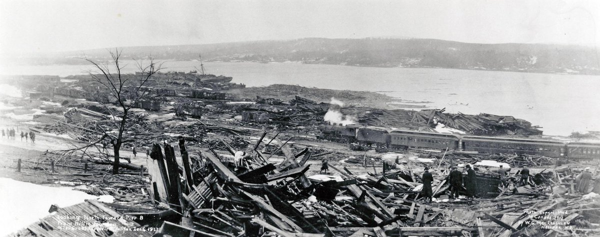 The explosion killed more than 1600 people instantly. The north ends of Halifax & Dartmouth suffered immense damage. http://t.co/U6dbDqpgUY